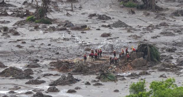 ブラジル史上最大の環境破壊事故につながった昨年の鉱滓ダム決壊事故(Antonio Cruz/Agencia Brasil)