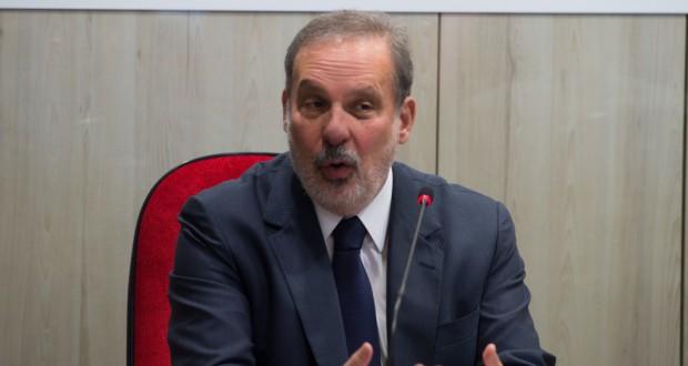 アルマンド・モンテイロ商工開発相(Marcello Casal Jr./Agencia Brasil)