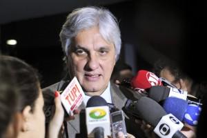 突然、釈放されたデウシジオ上議(Foto: Jane de Araújo/Agência Senado, 10/06/2015)