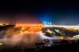 イタイプーダム(Foto: Alexandre Marchetti/Itaipu Binacional)