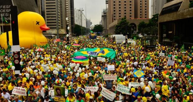 13日のパウリスタ大通り(Rovena Rosa/Agência Brasil)