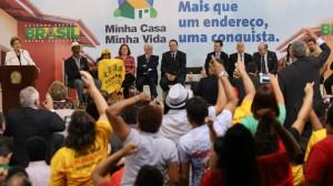 「わが家」政策第3弾発表会見で、熱烈な支持を表明する〃ルーラ教〃の信者たち(Foto: Lula Marques/Agência PT)
