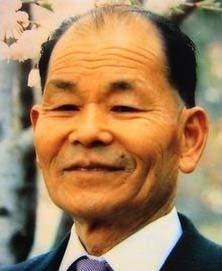30数年かけて陽光を品種改良して作った生みの親・高岡正明さん(1909~2001年)<http://tamutamu2011.kuronowish.com/yukousakura.htm>より