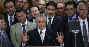 暫定大統領就任の演説をするテーメル(12日、Foto: Valter Campanato/Agencia Brasil)