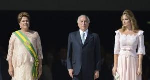 2015年1月1日の2期目のジウマ大統領就任式。ジウマ大統領、テーメル副大統領、マルセラ夫人(役職は当時、Foto: Jose Cruz/Agencia Brasil)