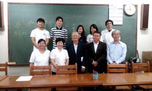 参加者と審査員。後列左から2番目が熊本さん