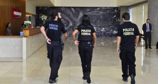 2月22日のLJ第23弾でオデブレヒト社に乗り込んだ連警職員達(Rovena Rosa/Agência Brasil)
