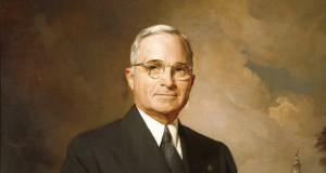 原爆投下を決断したトルーマン大統領(By Greta Kempton (Harry S. Truman Library) [Public domain], via Wikimedia Commons)