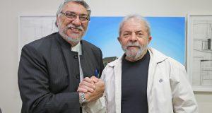 罷免されたルーゴ元パラグァイ大統領とルーラ前大統領(Foto: Ricardo Stuckert/Instituto Lula)