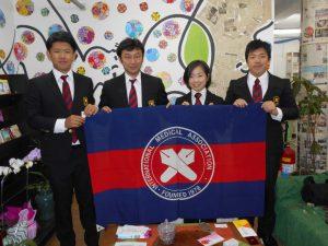 来社した小林団長、川久保先生、岡さん、北野さん