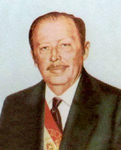 35年間に渡りパラグァイ大統領を務め、独裁者として君臨したアルフレド・ストロエスネル([Public domain], via Wikimedia Commons)