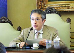イタリア移民について講演する北村教授