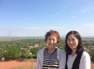母・貞子さんと娘・裕美子さん