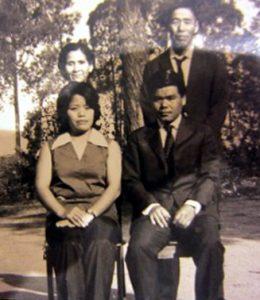 リオで奥さんの両親とともに記念撮影