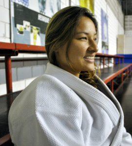 柔道人生まだ夢の途中―。教え子のメダル獲得を信じて練習を見つめるユリさん