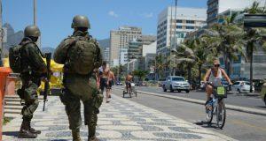 リオ市で警備を行う陸軍兵士(Tomaz Silva/Agência Brasil)