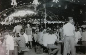 総動員で準備された上塚公園運動場での50周年式典