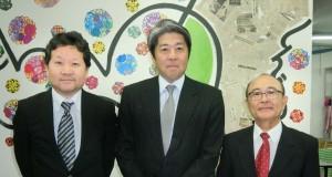 (左から)大久保副会頭、平田事務局長、小池選任理事
