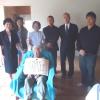 山崎フユミさん百寿祝う=ベレンで表彰状の伝達式