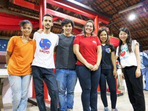 左からルイザ・フェレイラさん、アルベルト・ソブラルさん、奈良橋勲さん、フェルナンダ・ラッパさん、中山美早紀さん、荻沼由季さん