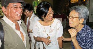 60年ぶりに再会した田辺さん、田辺夫人、竹中さん