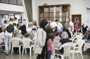 サンパウロ市役所のシリア難民支援の様子(Foto: Eduardo Ogata/São Paulo Carinhosa, 21/3/2015)