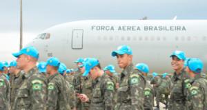 ハイチに向かったブラジル軍兵士たち(Tereza Sobreira)