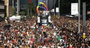 18日のゲイ・パレードより(Cesar Itiberê/Fotos Públicas)