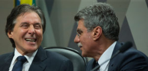 上院CCJでのエウニシオ・オリヴェイラ上院議長(左)と、ロメロ・ジュカー上議(右)(共にPMDB - Lula Marques/AGPT)