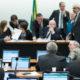 《ブラジル》選挙システム改正法=零細政党や新人に不利か=下院特別委員会は通過=賛否両論で真っ二つも=国庫から巨額選挙費用拠出?