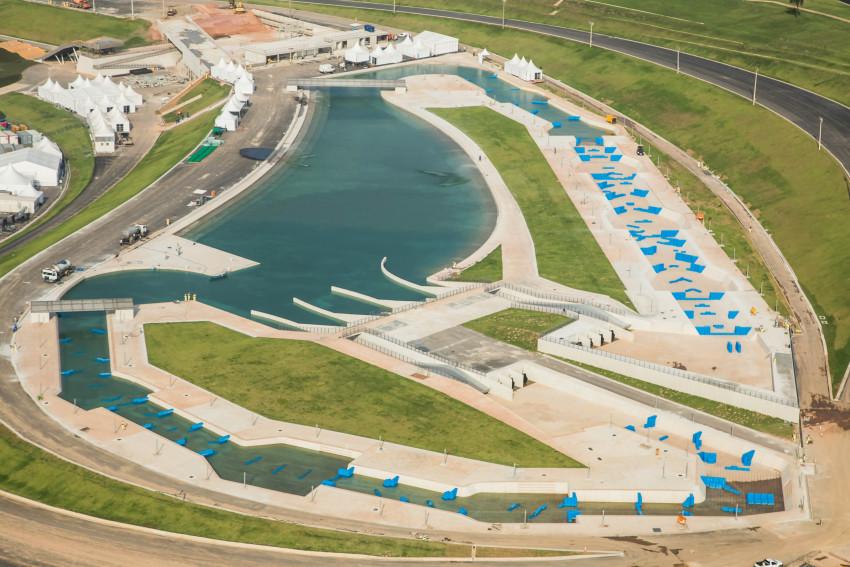 リオ五輪カヌー用の水路には汚れた水がたまっている(Renato Sette Câmara/Prefeitura do Rio)
