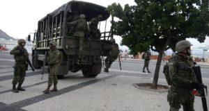 五輪の時と同様、コパカバーナ海岸にも軍兵士が展開している(Tomaz Silva/Agência Brasil)