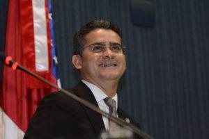 5月からアマゾナス州知事代行を務めていたダヴィジ・アウメイダ氏(Danilo Mello/Aleam)