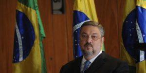 ルーラ氏の片腕として活躍していた頃のパロッシ被告(Arquivo/Agência Brasil)