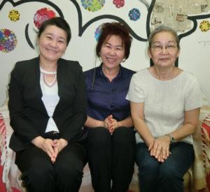 (左から)内村副会長、 上園会長、平井事務局長