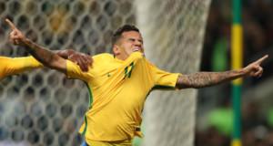 8月31日、W杯南米予選のエクアドル戦で得点を決めた直後のコウチーニョ(Lucas Figueiredo/CBF)