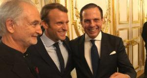 1日、フランスのマクロン大統領と面会するドリア・サンパウロ市長(@jdoriajr)