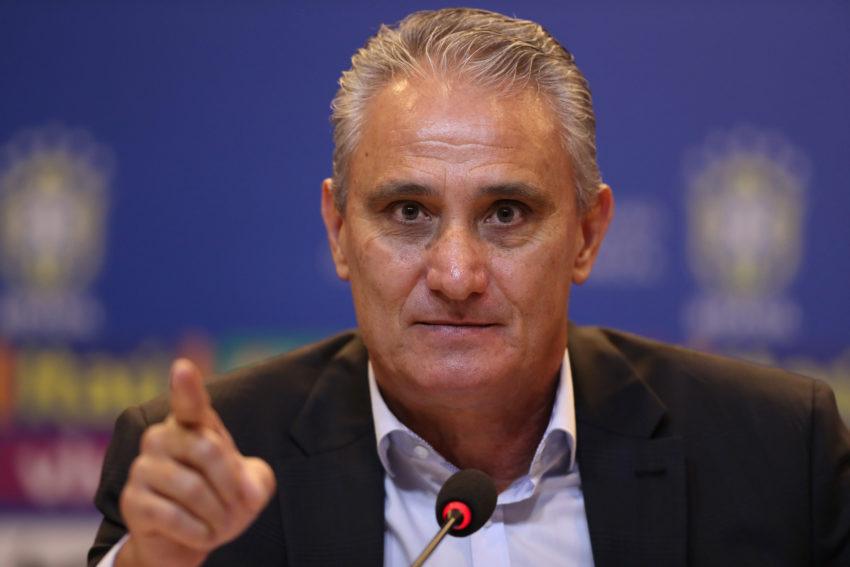 セレソンのチッチ監督(15日の会見で、Lucas Figueiredo/CBF)