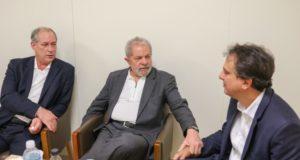 ルーラ氏(中央)とシロ氏(左)(Ricardo Stuckert/Instituto Lula)
