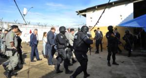 アパレシーダ・デ・ゴイアニア市の複合刑務所では3日に行われた現場検証の様子。(Aline Caetano-TJGO)
