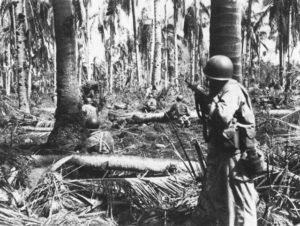 レイテ作戦中の米軍の歩兵(Public Domain)