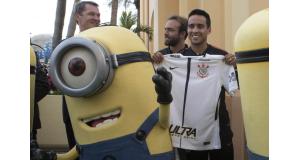 ユニバーサル・スタジオで開かれた、フロリダカップのプロモーションイベントに参加したコリンチャンスのMFジャジソン(Daniel Augusto Jr./Ag. Corinthians)