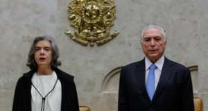 最高裁開廷式でのカルメン最高裁長官(左)とテメル大統領(右)(Marcos Corrêa/PR)