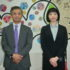 (左から)高元領事、中村領事