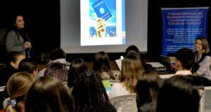 クリチーバ市で行われた、若年世代向け就職セミナー(Valdecir Galor/SMCS)