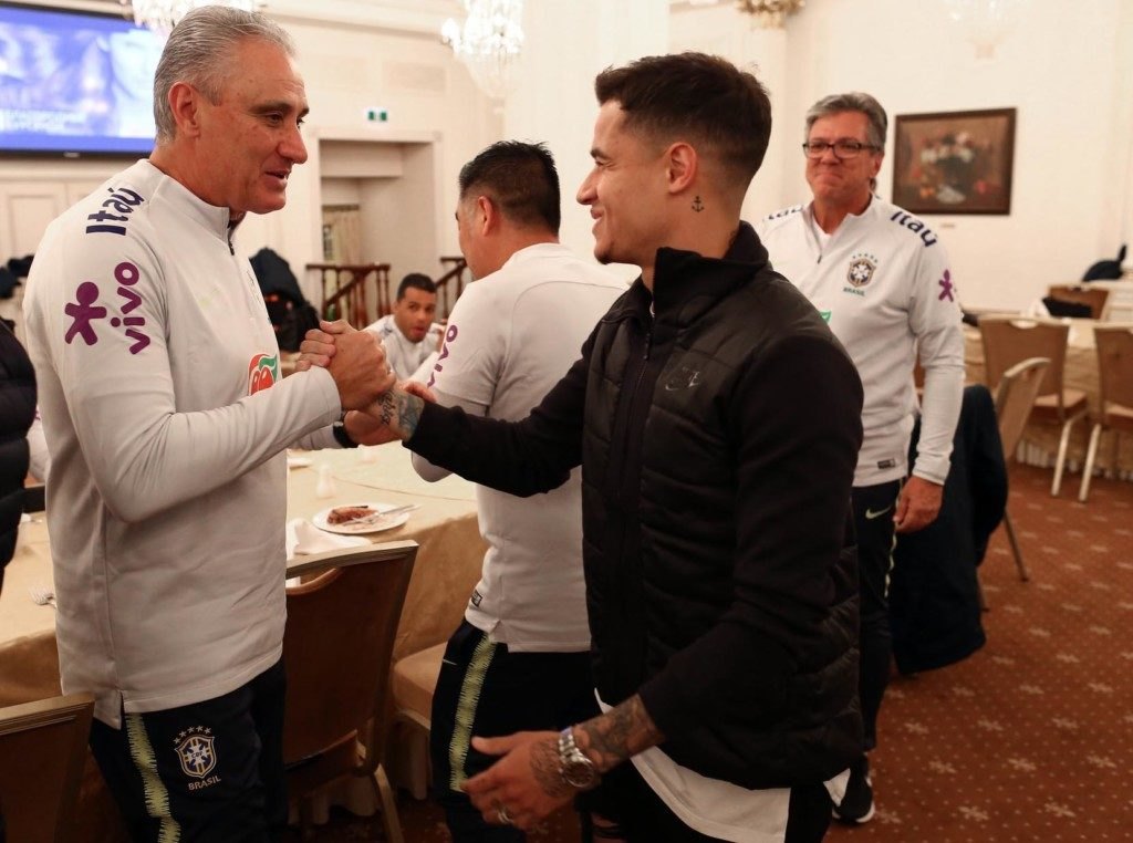 監督のチッチ(左)とブラジル代表の主力FWコウチーニョ(右)(Lucas Figueiredo/CBF)