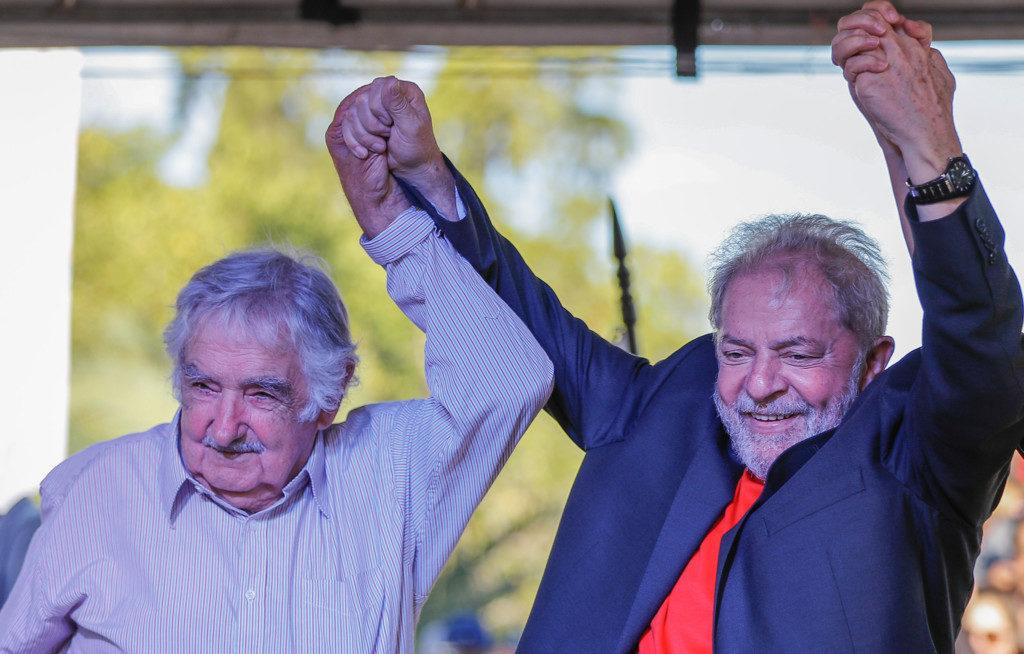 ムヒカ元ウルグアイ大統領(左)とルーラ元ブラジル大統領(Ricardo Stuckert)