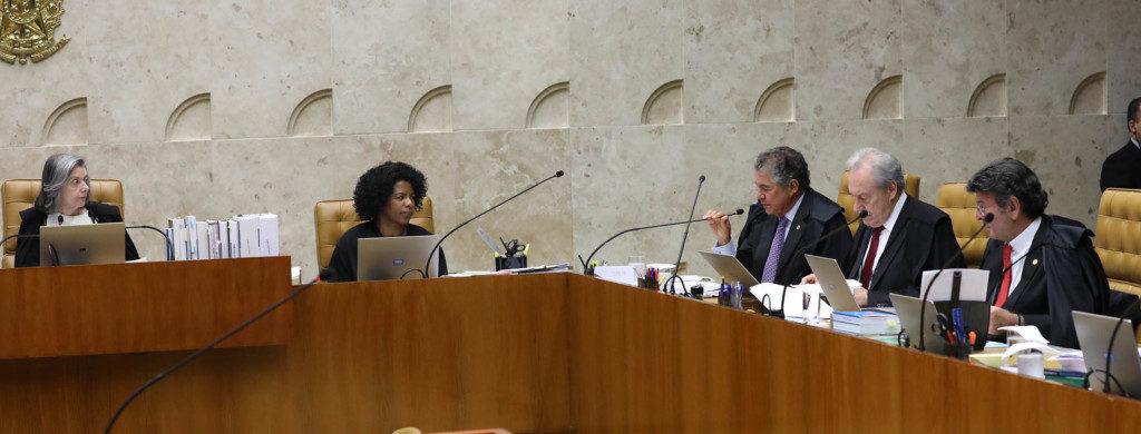 ルーラの人身保護令に関して話し合う最高裁判事ら(Foto Lula Marques/Lideranca do PT na Camara)