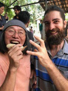 日伯を陶芸で繋ぐ橋本さん(提供写真)