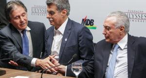 オリベイラ上院議長(左)と、テメル大統領(右)